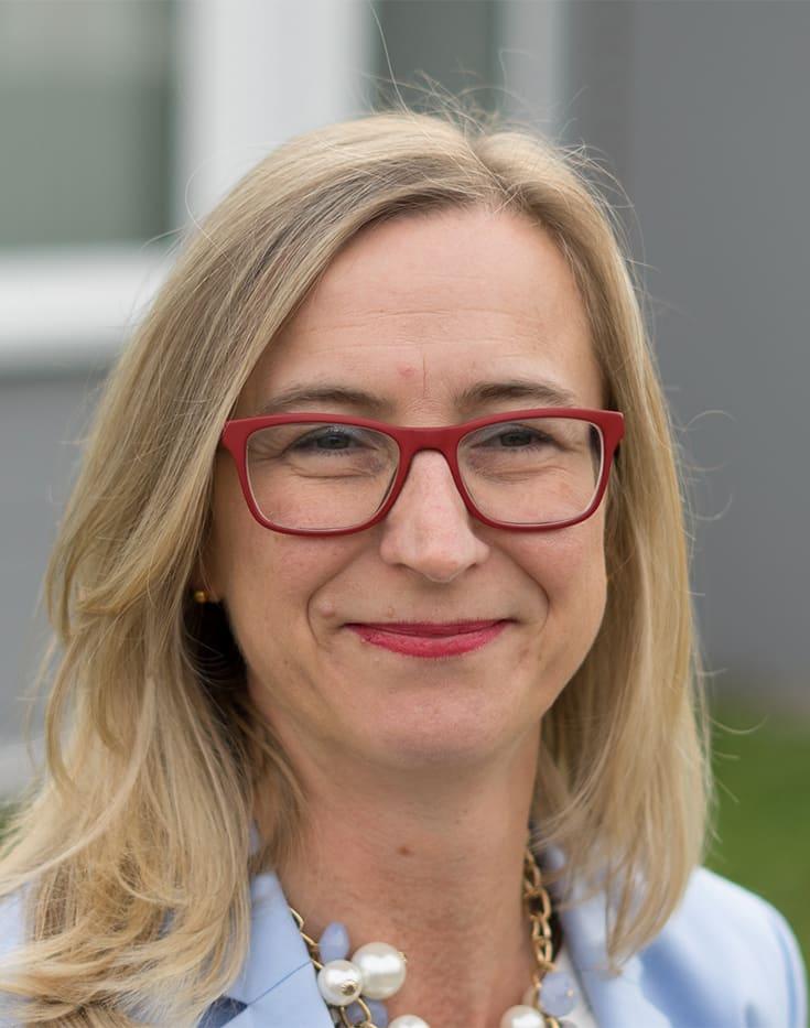 Daniela Alterio von Eisen Bauer